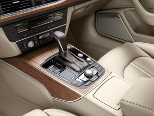 antropoti-limousine-rent-a-car-audiA6-interior5